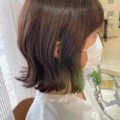 グリーン インナーグリーン イヤリングカラー ボブ ヘアスタイルや髪型の写真・画像