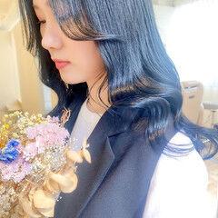 ブルーブラック ナチュラル ブリーチなし ブルージュ ヘアスタイルや髪型の写真・画像