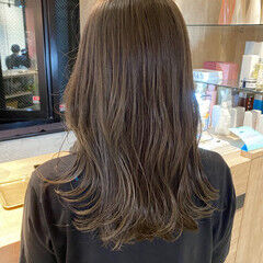 ベージュ くびれカール ベージュカラー ミディアム ヘアスタイルや髪型の写真・画像