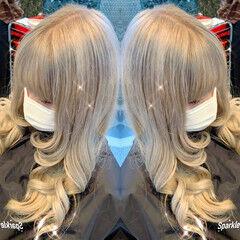 特殊カラー セミロング 派手髪 フェミニン ヘアスタイルや髪型の写真・画像