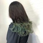 裾カラー 派手髪 エメラルドグリーンカラー ロング