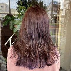 ガーリー セミロング インナーカラーパープル ラベンダーグレー ヘアスタイルや髪型の写真・画像