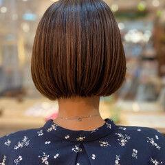 イヤリングカラー ヘルシースタイル ボブ ナチュラル ヘアスタイルや髪型の写真・画像