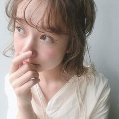 外国人風カラー 金髪 ブリーチ フェミニン ヘアスタイルや髪型の写真・画像