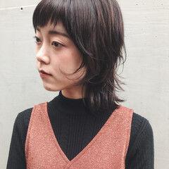 レイヤー ウルフ ウルフカット ナチュラル ヘアスタイルや髪型の写真・画像