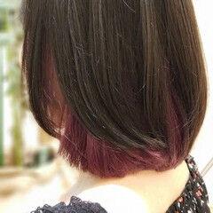 モード ミディアム インナーカラー パープルカラー ヘアスタイルや髪型の写真・画像