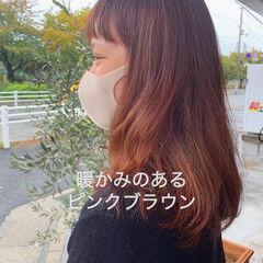 ナチュラル 秋冬スタイル ピンクブラウン ミディアムヘアー ヘアスタイルや髪型の写真・画像