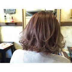 パープル ピンク 外ハネ ベリーピンク ヘアスタイルや髪型の写真・画像