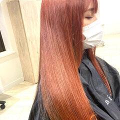 ロング チェリーレッド フェミニン カシスレッド ヘアスタイルや髪型の写真・画像