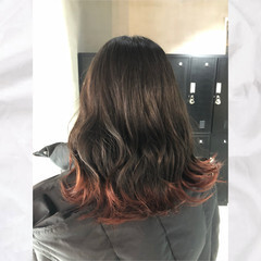 モード ミディアム 裾カラー デザインカラー ヘアスタイルや髪型の写真・画像