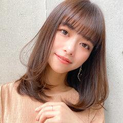 ミディアムレイヤー コンサバ ミディアム 小顔 ヘアスタイルや髪型の写真・画像