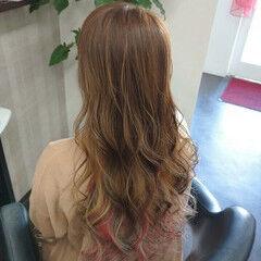 ガーリー インナーピンク ヘアカラー ロング ヘアスタイルや髪型の写真・画像