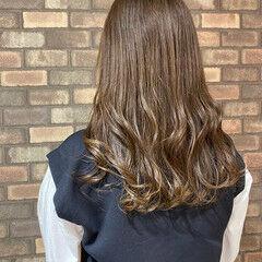 イルミナカラー ナチュラル スロウ ミルクティーベージュ ヘアスタイルや髪型の写真・画像