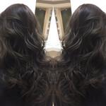 ナチュラル ロング グラデーションカラー 暗髪