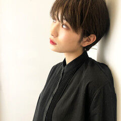 ショートヘア ショート 小顔ショート ナチュラル ヘアスタイルや髪型の写真・画像