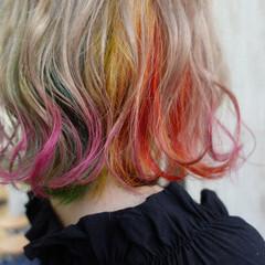 ミニボブ インナーカラー ボブ フェミニン ヘアスタイルや髪型の写真・画像