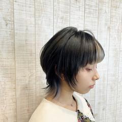 外ハネ ウルフカット ショート 裾カラー ヘアスタイルや髪型の写真・画像