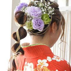 生花アレンジ たまねぎアレンジ ガーリー お花ヘア ヘアスタイルや髪型の写真・画像