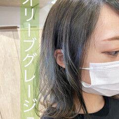 オリーブベージュ オリーブグレージュ オリーブブラウン ミディアム ヘアスタイルや髪型の写真・画像