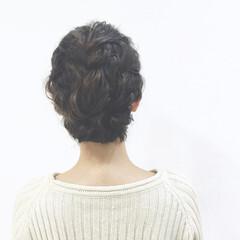 フィッシュボーン ショート 大人かわいい ツイスト ヘアスタイルや髪型の写真・画像