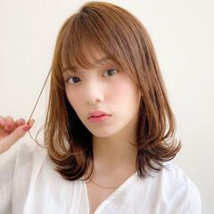 ミディアム 簡単ヘアアレンジ レイヤーカット 大人かわいい ヘアスタイルや髪型の写真・画像