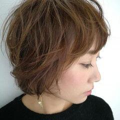 ショート コンサバ アンニュイほつれヘア ハイライト ヘアスタイルや髪型の写真・画像