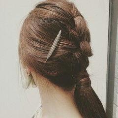 編み込み ヘアアレンジ セミロング ローポニーテール ヘアスタイルや髪型の写真・画像