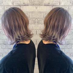 ハイライト グレーアッシュ ミルクティーベージュ アッシュグレー ヘアスタイルや髪型の写真・画像