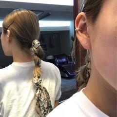 ヘアアクセ セミロング ヘアアレンジ 簡単ヘアアレンジ ヘアスタイルや髪型の写真・画像
