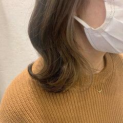 インナーカラー インナーカラーシルバー ボブ ミルクティーベージュ ヘアスタイルや髪型の写真・画像