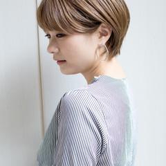 流し前髪 可愛い ふんわり ナチュラル ヘアスタイルや髪型の写真・画像