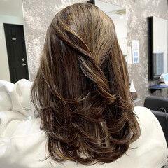 ナチュラル レイヤースタイル ミディアム ミディアムレイヤー ヘアスタイルや髪型の写真・画像