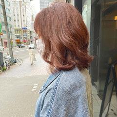 ヘアカラー ピンクベージュ ハイトーン ベージュ ヘアスタイルや髪型の写真・画像