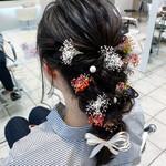 フェミニン 編みおろしヘア お花ヘア 生花アレンジ
