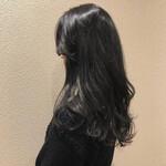 黒髪 フェミニン 暗髪 レイヤーロングヘア