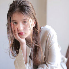 ゆるふわパーマ パーマ デジタルパーマ アンニュイ ヘアスタイルや髪型の写真・画像