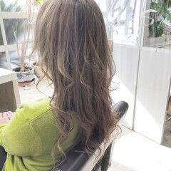 セミロング エレガント ブリーチオンカラー ヘアスタイルや髪型の写真・画像
