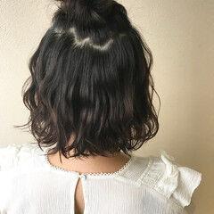 ナチュラル お団子アレンジ ボブ カジュアル ヘアスタイルや髪型の写真・画像