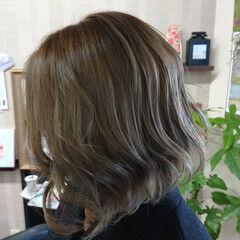 ミルクティーアッシュ ヘアカラー ミルクティー ミニボブ ヘアスタイルや髪型の写真・画像