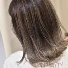 ハイライト グラデーションカラー 大人ハイライト バレイヤージュ ヘアスタイルや髪型の写真・画像