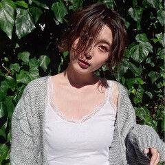 グレージュ ナチュラル ガーリー 色気 ヘアスタイルや髪型の写真・画像