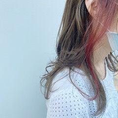 インナーカラー インナーカラーレッド インナーピンク ポイントカラー ヘアスタイルや髪型の写真・画像