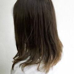 ナチュラル ミディアム パーソナルカラー ヘアスタイルや髪型の写真・画像