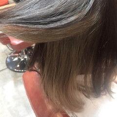 モード ツートン アッシュグレージュ ボブ ヘアスタイルや髪型の写真・画像