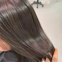 ブリーチ ミディアム ガーリー グレー ヘアスタイルや髪型の写真・画像
