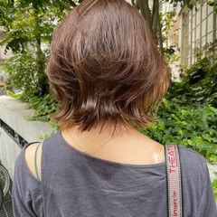ナチュラルウルフ インナーカラー ウルフカット ミルクティーベージュ ヘアスタイルや髪型の写真・画像