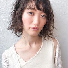 切りっぱなしボブ ゆるふわパーマ コンサバ 大人かわいい ヘアスタイルや髪型の写真・画像