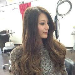 ロング 女子力 グラデーションカラー グレーアッシュ ヘアスタイルや髪型の写真・画像