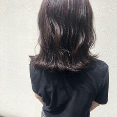 切りっぱなしボブ パープルアッシュ エレガント ミディアム ヘアスタイルや髪型の写真・画像