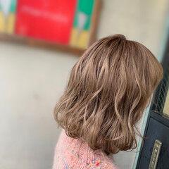ブリーチカラー グラデーションカラー デザインカラー ミディアム ヘアスタイルや髪型の写真・画像